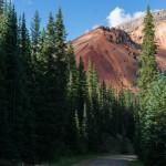 Die Bäche die diesem Berg entspringen sind natürlicherweise sauer und enthalten Schwermetall. Wasserflaschen nicht hier nachfüllen.
