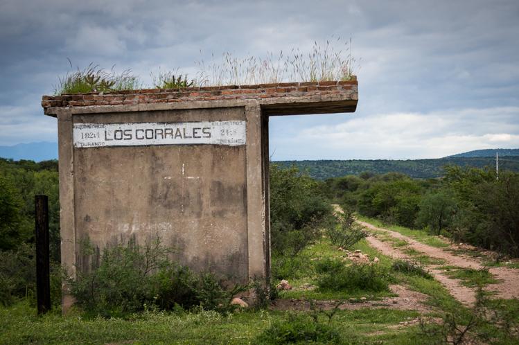 Nach der verlassenen Station Los Corrales...