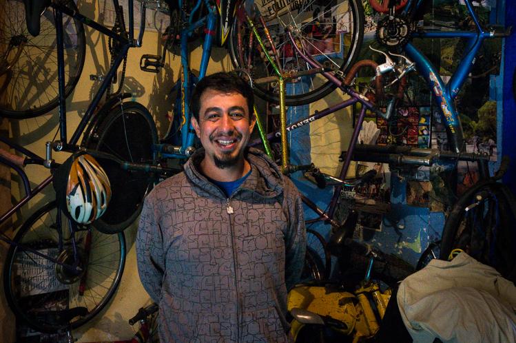 Der Mechaniker regte sich auf, dass ihm die Leute immer uralte Velos bringen, die man kaum mehr reparieren kann.
