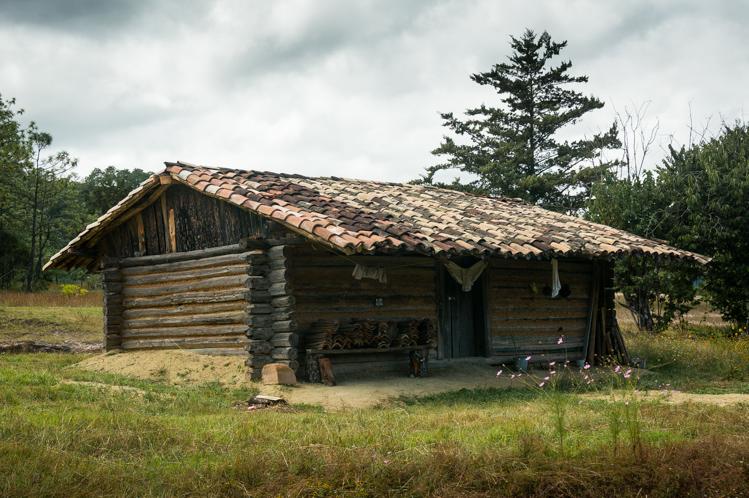 Ausserhalb der Dörfer sah man vereinzelt auch Holzhäuser